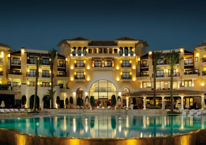 night-hotel1